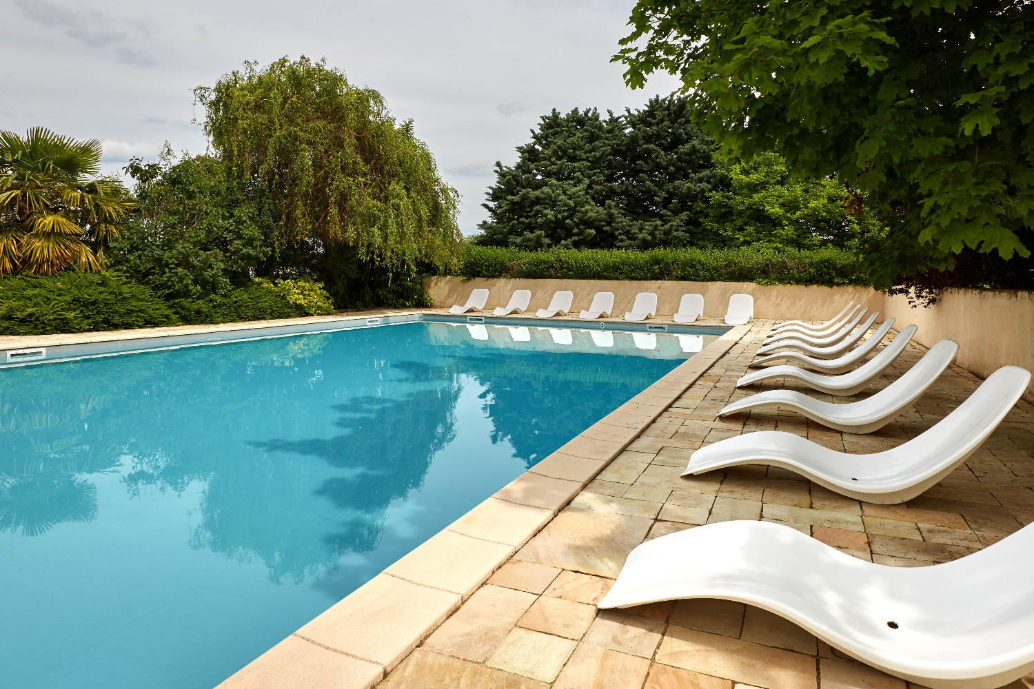 During Summertime, You Can Have Breakfast On The Terrace, Watching The Sun  Rising Over The Beaune Hill, Take A Dip In The Swimming Pool Or A Nap In A  Deck ...